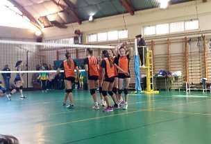 Las jugadoras del San Ignacio celebran el tercer set.