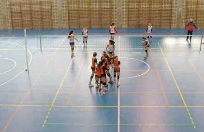Las jugadores del San Ignacio celebran un punto voleibol