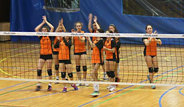 Las jugadoras del San Ignacio celebran la victoria ante el RGC Covadonga A